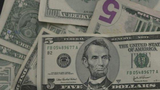 """O FMI destaca ainda """"as incertezas significativas"""" em matéria de consolidação orçamental"""