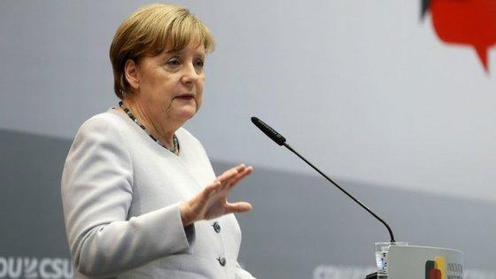 """A chanceler descreve o acordo como """"irreversível"""" e """"não negociável"""""""