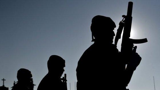 O protesto tinha como objetivo pedir a a exoneração do General Rovisco Duarte e do chefe do Estado-Maior General das Forças Armadas