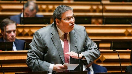 """O deputado do PSD Carlos Abreu Amorim afirmou que este pedido dos juízes a António Costa é um """"atestado de incompetência"""" à ministra da Justiça"""