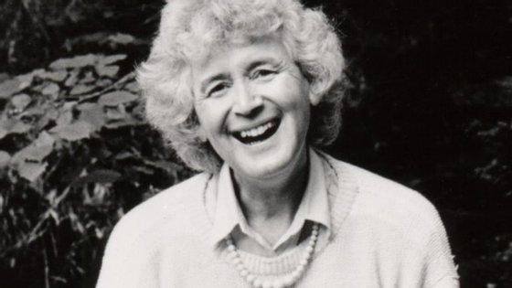 """A transexualidade """"sempre me pareceu uma questão espiritual"""", escreve a autora britânica"""