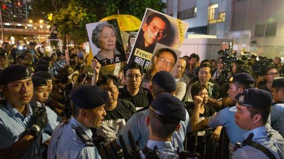 """Símbolo da luta pela democracia na China, Liu Xiaobo foi condenado depois de ter sido um dos promotores da chamada """"Carta 08"""", um manifesto a favor da introdução de reformas políticas democráticas"""