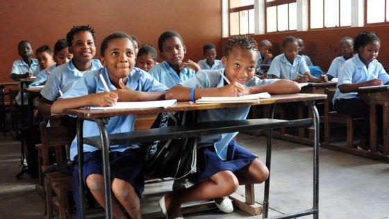 A proposta está a ser divulgada pelos diferentes estabelecimentos de ensino do país