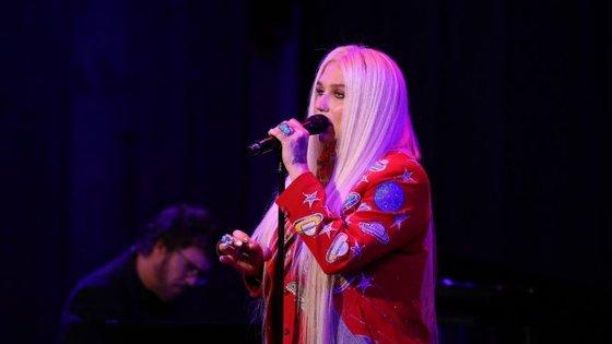 """O último álbum da cantora, """"Warrior"""", saiu em 2012 e o último single em 2013"""