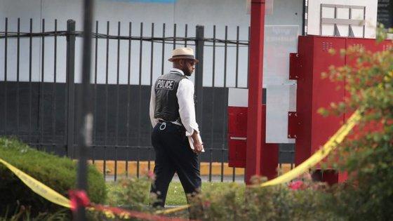 Quatro crianças foram encontradas mortas por esfaqueamento na Georgia. Mãe é suspeita e foi ela que ligou para os serviços de emergência médica