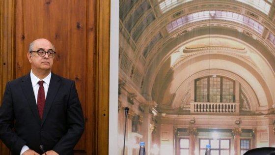 Na quinta-feira, o Chefe do Estado Maior do Exército, general Rovisco Duarte, foi ouvido à porta fechada na mesma comissão parlamentar