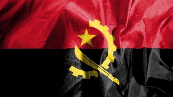 Angola vive uma profunda crise financeira e económica desde finais de 2014 devido à quebra na cotação internacional do petróleo