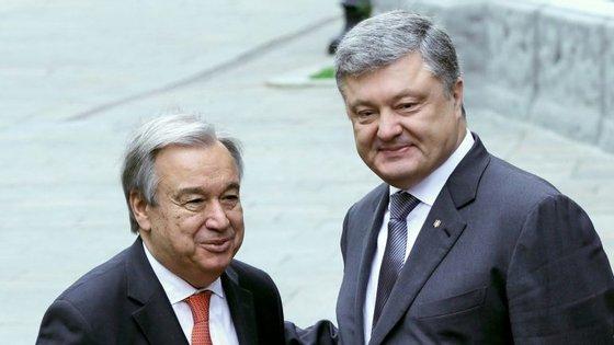 António Guterres, secretário-geral das Nações Unidas, com o Presidente da Ucrânia, Petro Poroshenko