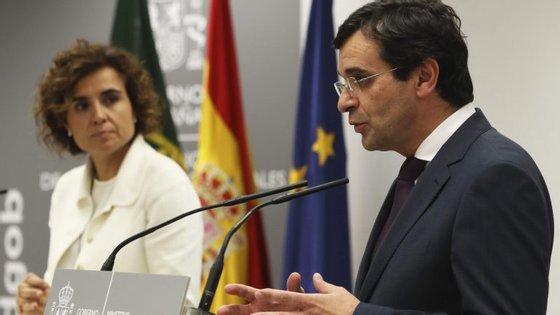 O presidente da autarquia de Pedrogão Grande revelou no domingo à agência Lusa que um dos feridos mais graves do incêndio que deflagrou no Concelho em 17 de junho foi transferido do Porto para Espanha