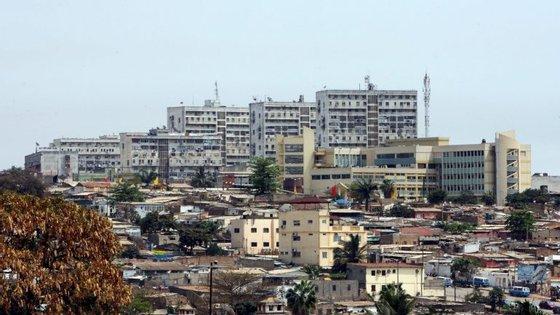 A taxa dos serviços de limpeza e saneamento de Luanda começou a ser cobrada em fevereiro deste ano aos agregados familiares, através da fatura de eletricidade