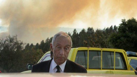 Marcelo Rebelo de Sousa está a passar o dia de Natal em regiões afetadas pelos incêndios deste ano.