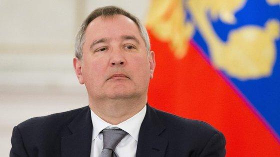O avião acabou por aterrar em Minsk, capital da Bielorrússia, uma vez que estava a ficar sem combustível