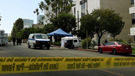 Otiroteio aconteceuporvoltadas6h damanhã, segundo Michael Lopez, do Departamento de Polícia de Los Angeles