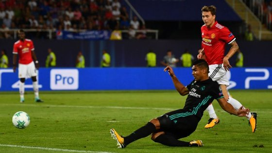Casemiro fez assim o primeiro golo da final, após um cruzamento de Carvajal para as costas da defesa contrária