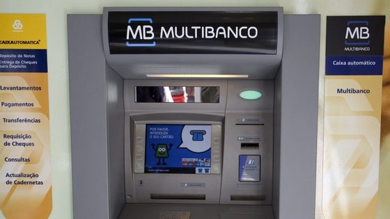 Há12.1264terminais multibanco em Portugal