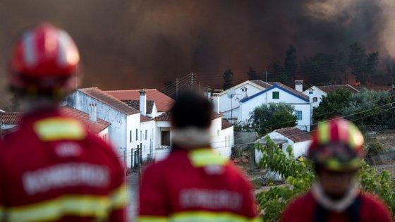 Contabilizam-se quintais ardidos e propriedades agrícolas, fundamentais para uma população que tem na agricultura um meio de subsistência