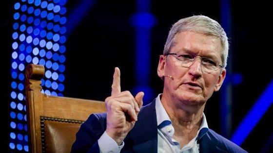 Tim Cook disse aos colaboradores da Apple que o que aconteceu em Charlottesville não tinha lugar num país como os EUA