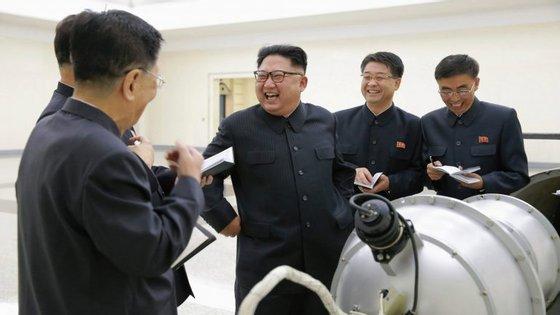 A3de setembro, aCoreia doNorte anunciouter testado, com sucesso, uma bomba de hidrogénio