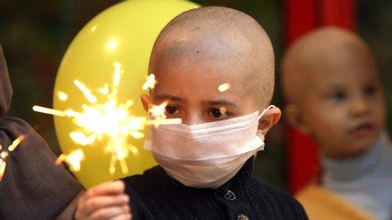 Cerca de 400 crianças são diagnosticadas com cancro todos os anos