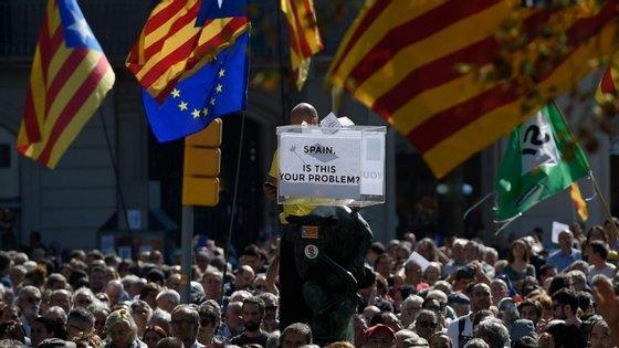Mais de 10 milhões de boletins de voto para o referendo foram apreendidos na Catalunha pela Guarda Civil espanhola