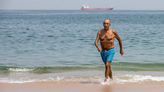 Marcelo deu aulas em Angola e todas as manhãs dava um mergulho no mar