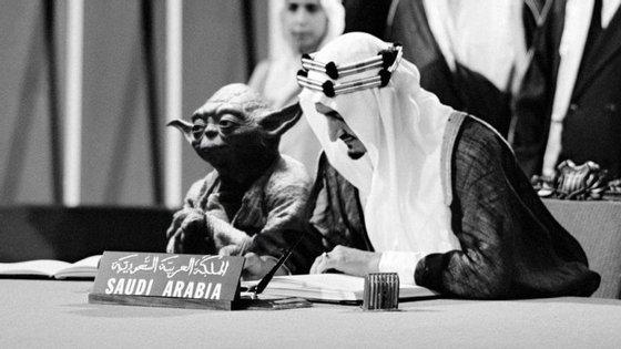 Yoda, muito concentrado, ao lado do rei Faisal, na fundação da ONU, em 1945