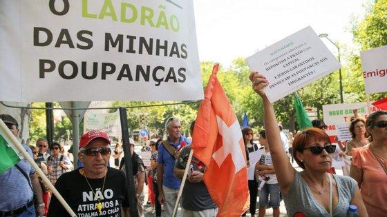Os protestantes vão estar em frente às instalações do Novo Banco de Gaia