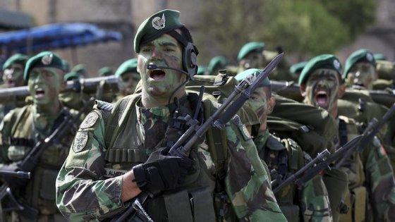 """""""É política do Exército fazer este tipo de eventos de forma descentralizada"""", disse o general Fonseca e Sousa"""
