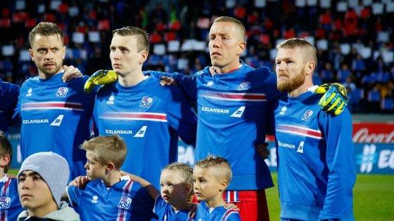 Islândia é a primeira seleção estreante a apurar-se para o Mundial que decorrerá na Rússia