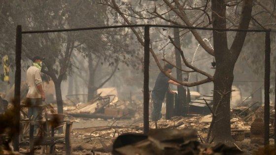 As chamas já consumiram quase 30 mil hectares no norte da Califórnia