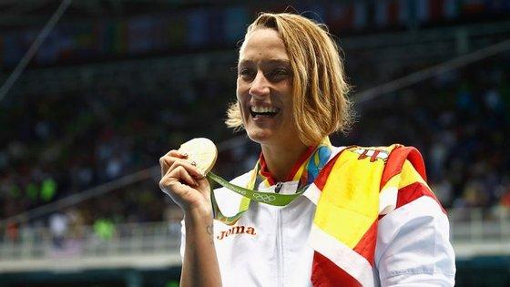 Mireia Belmonte, a menina querida da natação, defende que sempre se referiu à Catalunha como Espanha