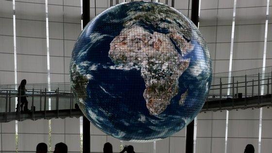 """O Banco Mundial alerta que """"o ritmo da recuperação permanece lento"""""""