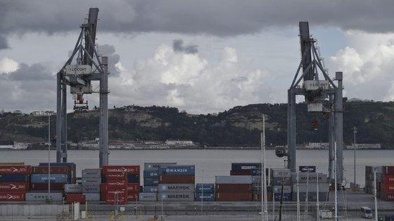 Passaram pelos portos continentais 8,7 milhões de toneladas