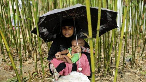 Cerca de 500.000 rohingyas fugiram para o vizinho Bangladesh desde finais de agosto