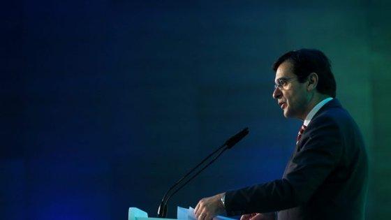 O ministro da Saúde participa numa cimeira mundial de saúde em Berlim