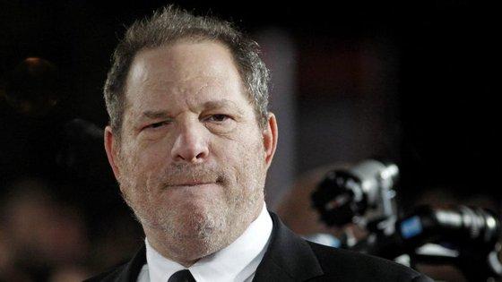Harvey Weinstein tem 65 anos e está a ser acusado de décadas de assédio sexual