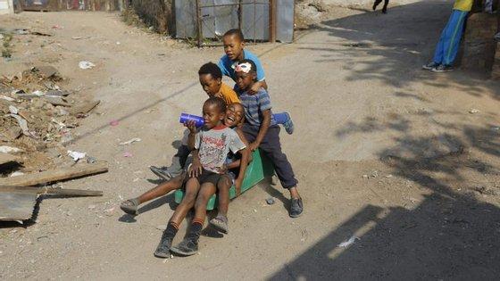 A percentagem de jovens angolanos atinge os 47%