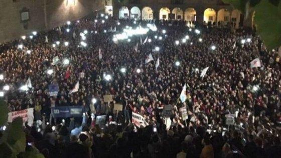 Milhares de pessoas protestaram em Santiago de Compostela