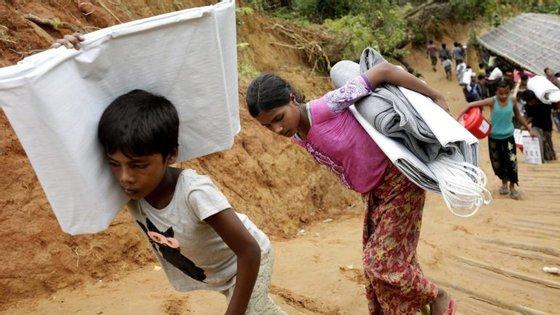 Mais de 580 mil refugiados já chegaram ao Bangladesh