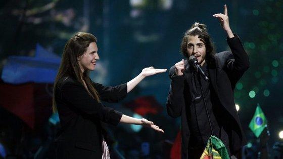 """Luísa compôs """"Amar Pelos Dois"""", a canção com que Salvador Sobral venceu a Eurovisão"""