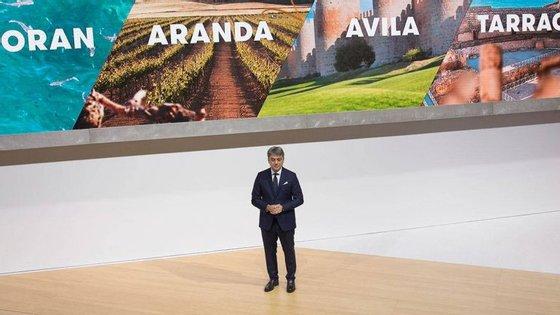 Depois do Ateca e do Arona, a Seat preparava-se para dar a conhecer o nome do maior dos seus SUV, o primeiro a propor sete lugares e a permitir à marca de Martorell, uma província de Barcelona, marcar presença num segmento para o qual ainda não tem qualquer proposta