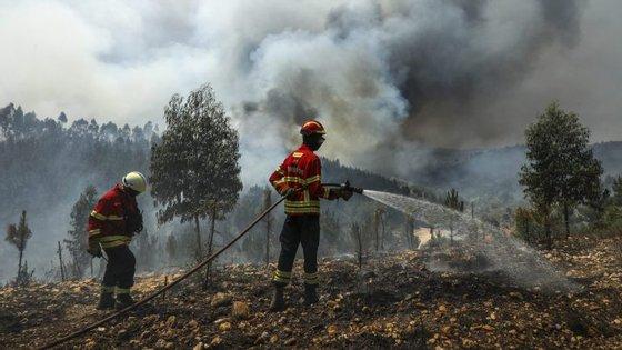 No terreno,estiveram 111 técnicos, distribuídos por 33 postos de evacuação