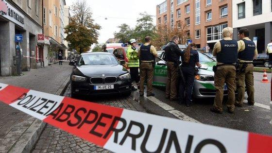 O atacante tem 33 anos e tem nacionalidade alemã