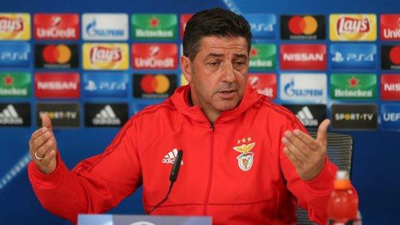 O Benfica, terceiro classificado com 17 pontos, vai jogar no domingo o contra o Desportivo das Aves