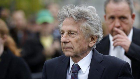 Roman Polanski fugiu dos EUA em 1977, para evitar a prisão. Não regressou desde então, mas em 2003 ganhou um Óscar