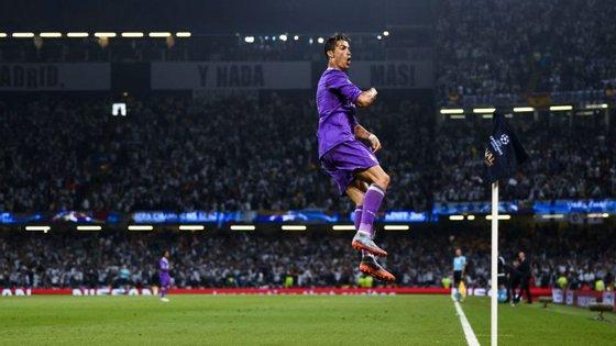 Cristiano Ronaldo a celebrar um dos dois golos apontados na final da Champions, frente à Juventus