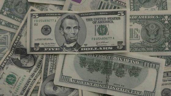 Em Angola existe um receio de que a moeda nacional entre numa espiral de desvalorização