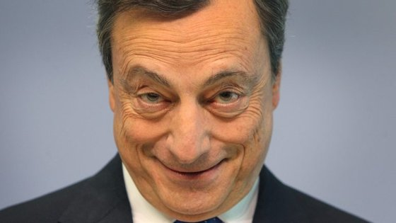 Mario Draghi. Ritmo mensal de compra de dívida pública vai abrandar, mas programa deverá ser estendido por seis meses