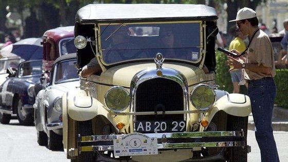 O vice-presidente da CCDR-LVT garante que há muitos carros antigos a circular no centro de Lisboa, apesar de já não o poderem fazer