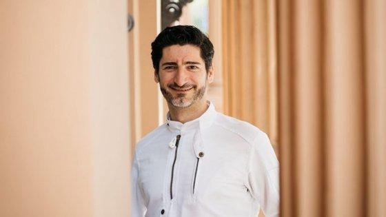 Tien é o nome do restaurante liderado por este chef. Fica na cidade de Viena, na Áustria.